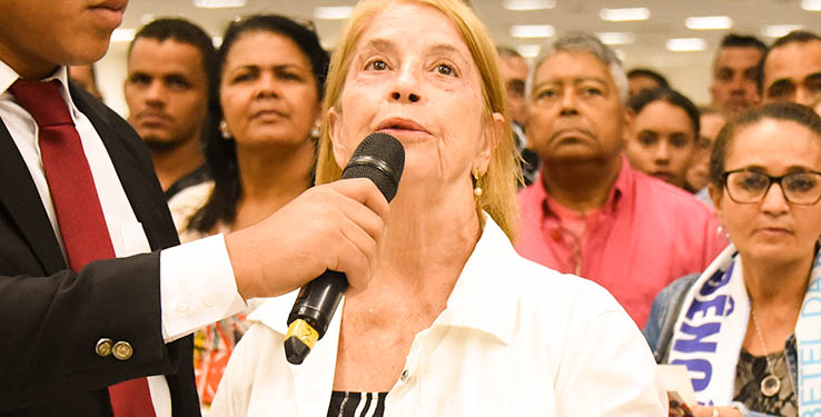 Deus livra obreira de reconstrução na coluna